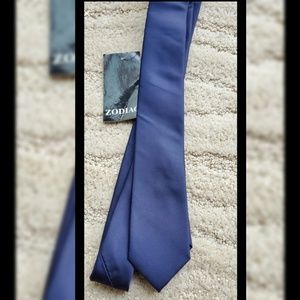 Navy blue slim tie